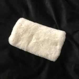 Fluffy purse/clutch